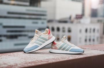 """online store 6d22e 074de Adidas Iniki I-5923 """"Pride"""" Review – Sean Go"""